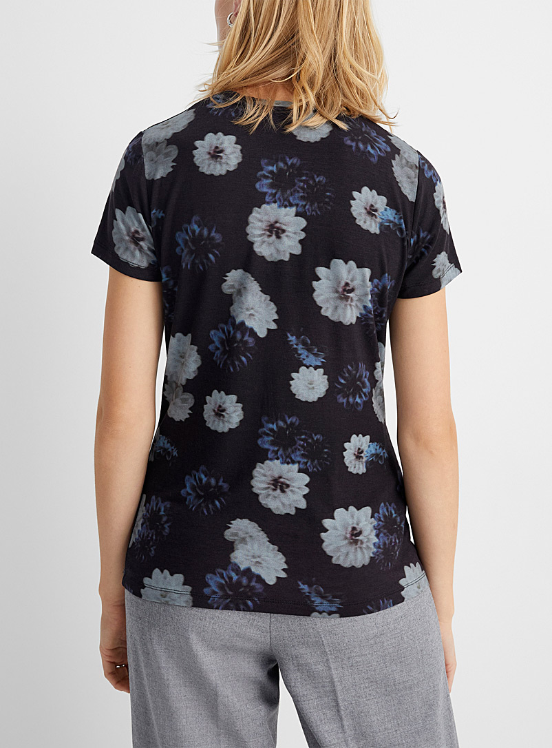 Contemporaine Grey Charming patterned tee for women