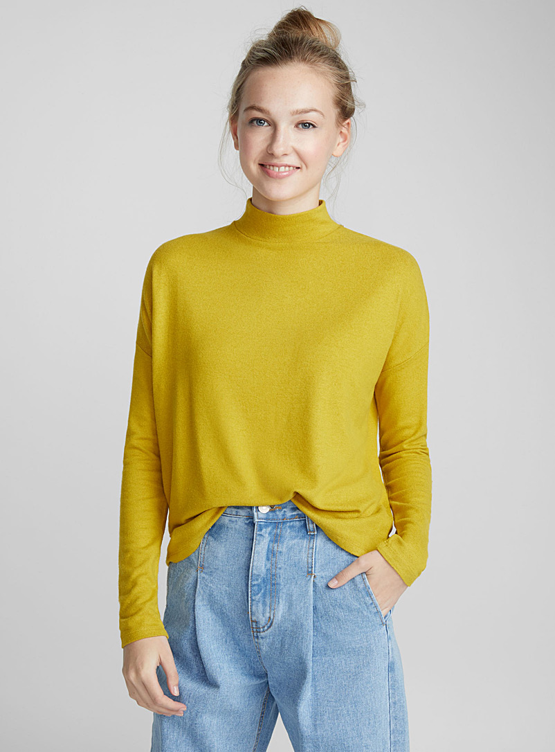 brushed-mock-neck-t-shirt