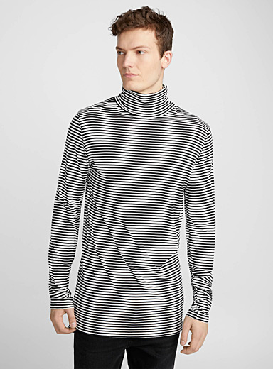 Striped longline turtleneck