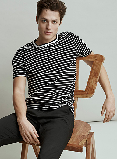 Organic cotton ribbed collar T-shirt