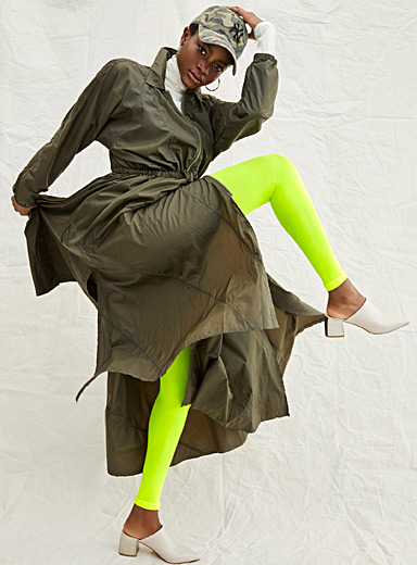 Neon yellow legging