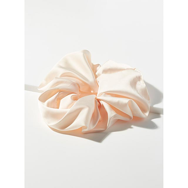 large-pearly-scrunchie