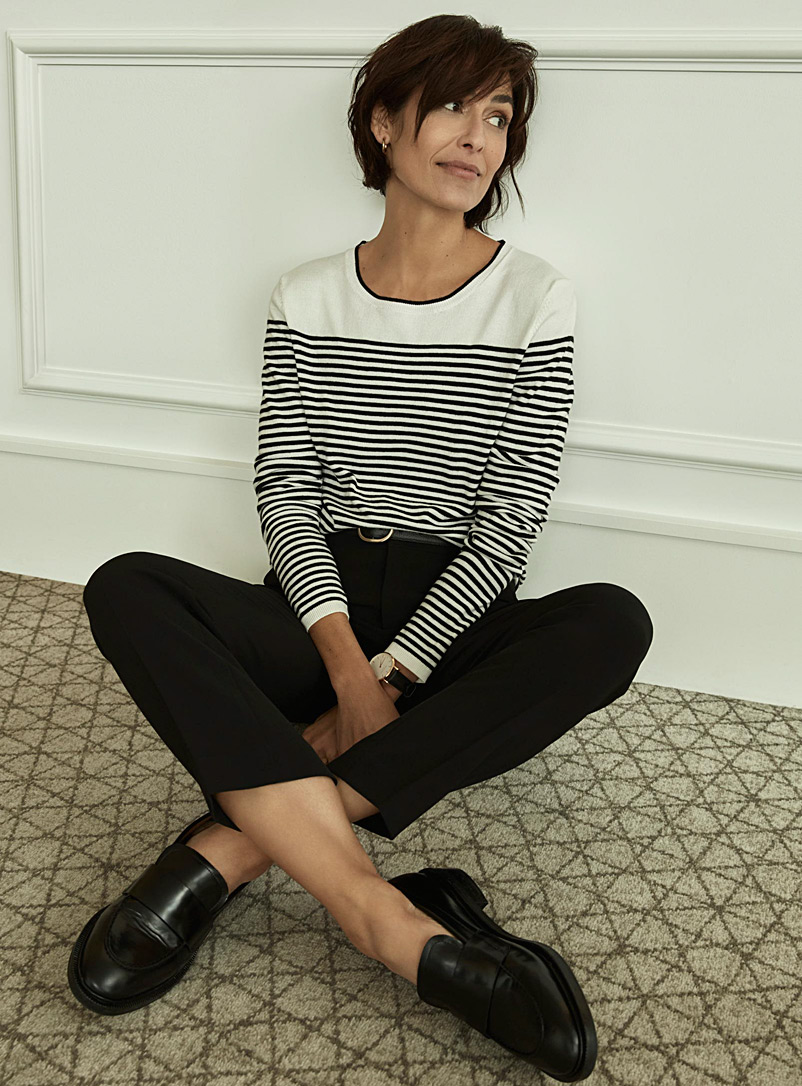contrasting-stripe-sweater