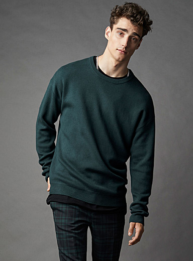 Modern crew-neck sweater