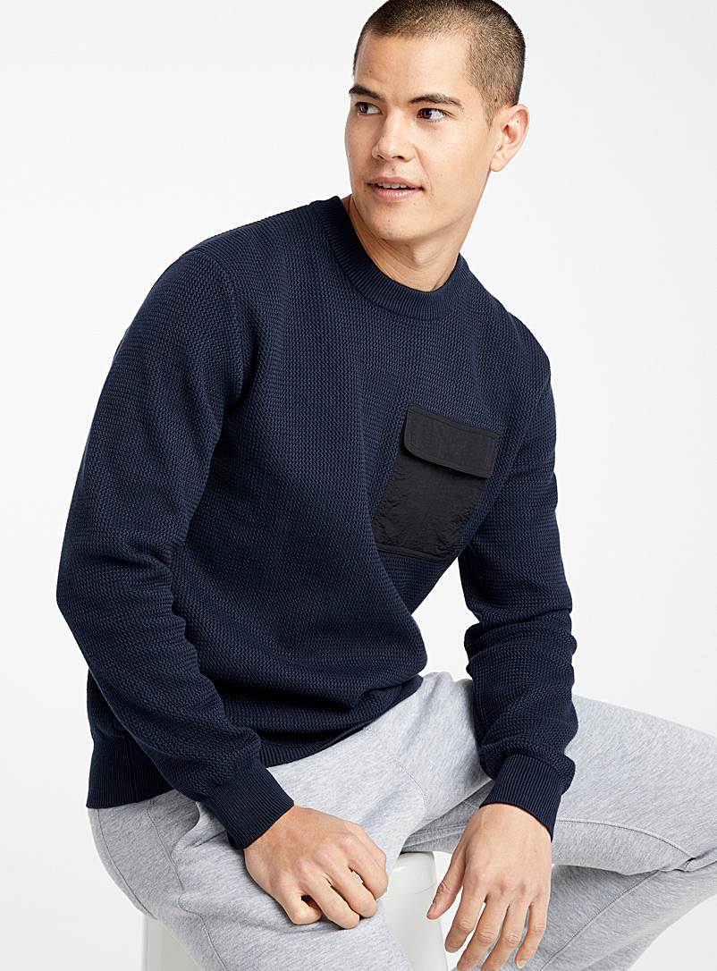 Nylon-pocket sweater
