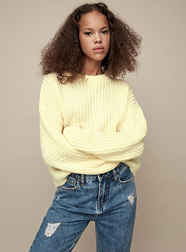 Ribbed loose-sleeve sweater