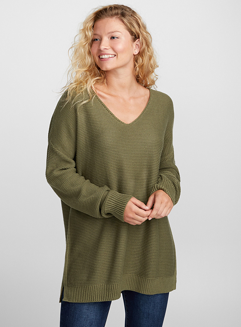 Light-knit V-neck sweater - Sweaters - Mossy Green