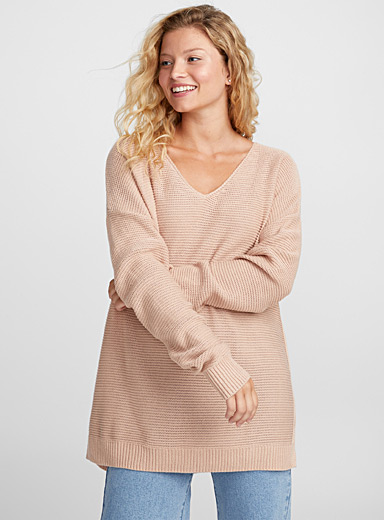 Light-knit V-neck sweater