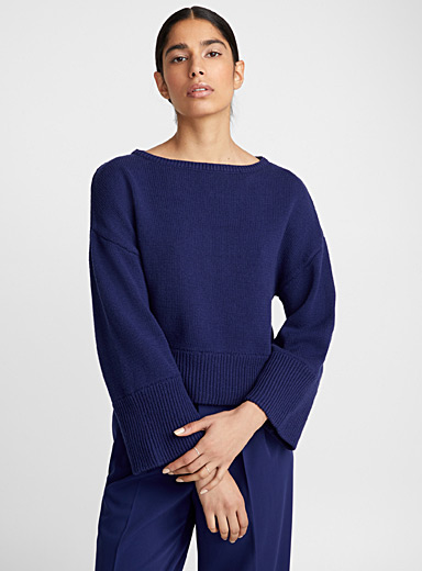 Wide ribbed edge sweater