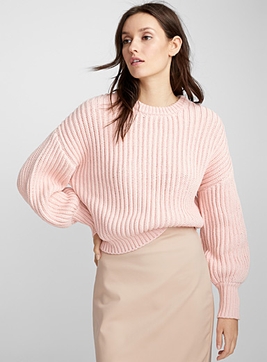 Balloon-sleeve cropped sweater