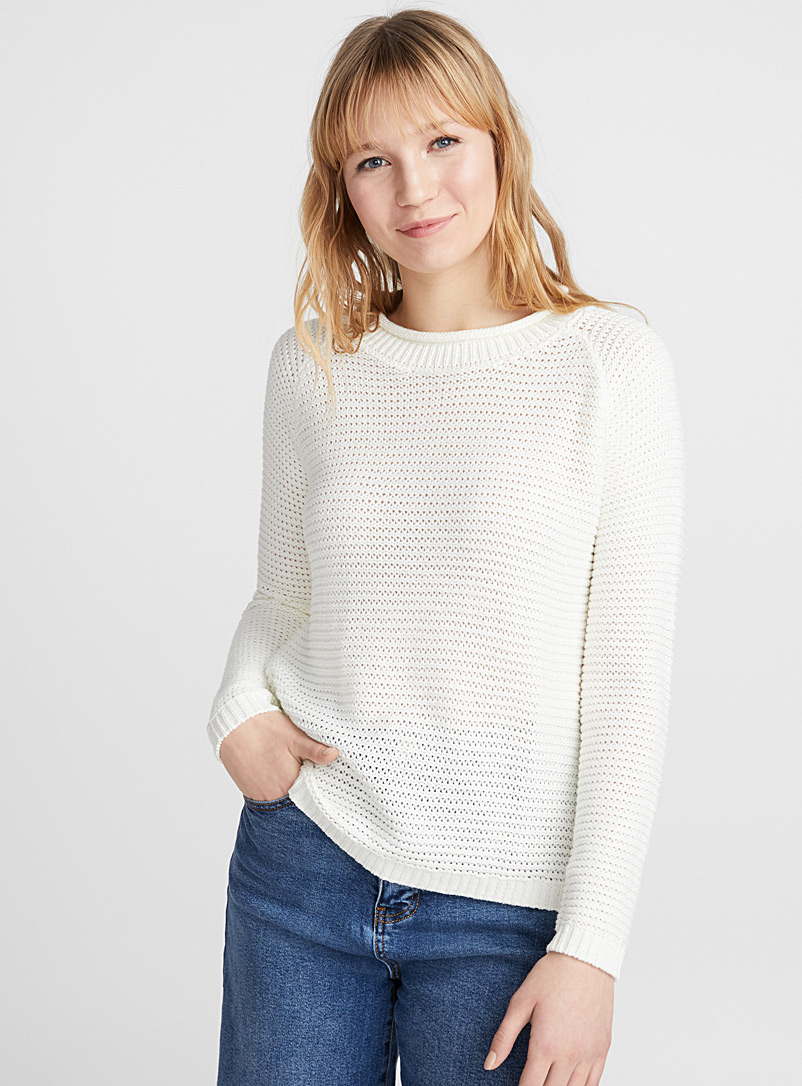 Icône Ivory White Wavy ribbed sweater for women
