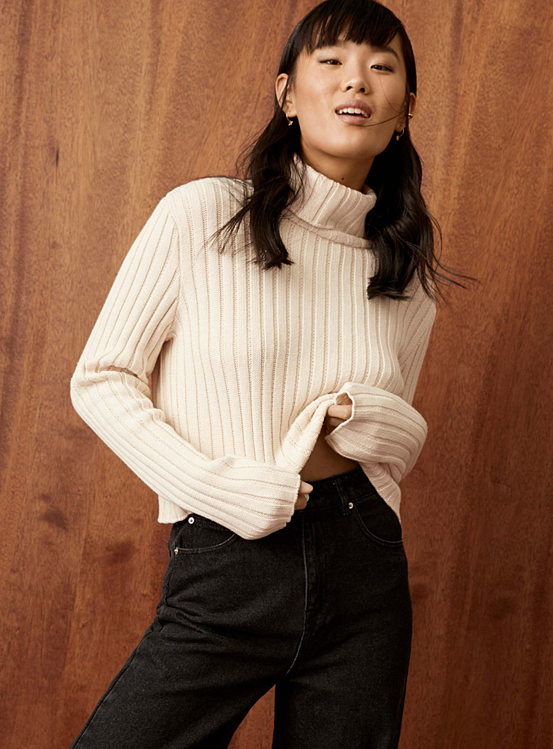 Ribbed organic cotton cropped turtleneck