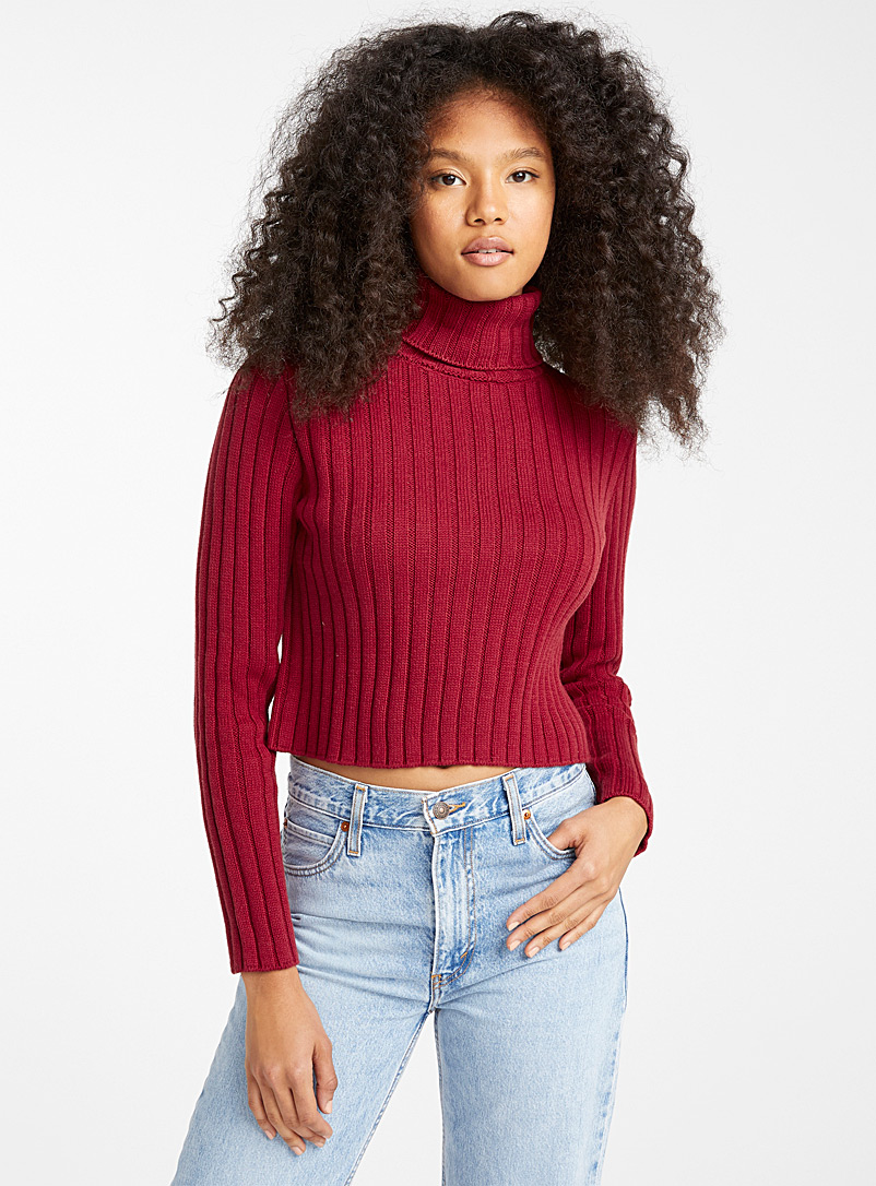 Twik Cherry Red Ribbed organic cotton cropped turtleneck for women