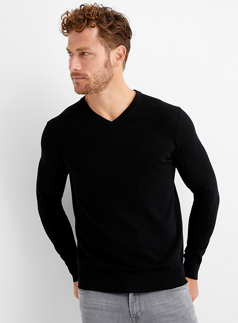 Le 31 Black Responsible merino V-neck sweater for men