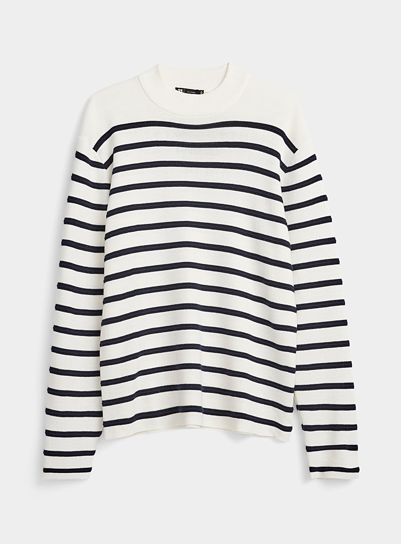 Le pull col montant rayures en relief