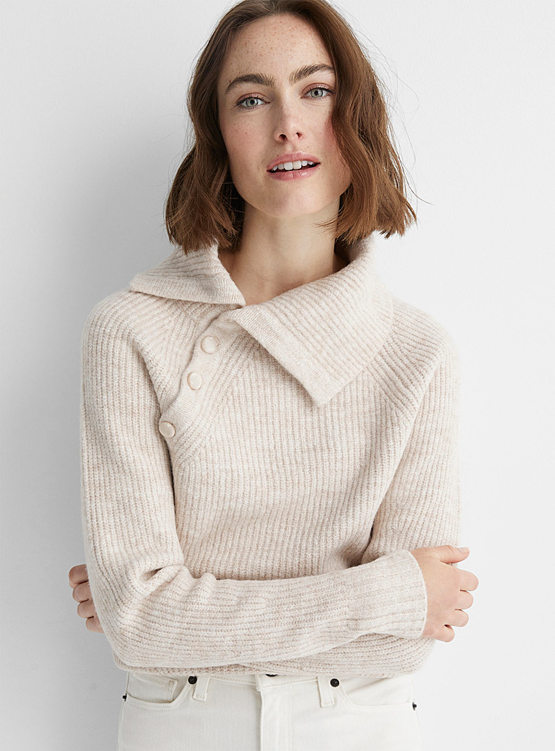 Contemporaine Sand Buttoned lapel collar ribbed sweater for women