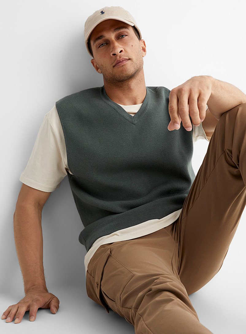 Le 31 Mossy Green Structured-knit minimalist vest for men