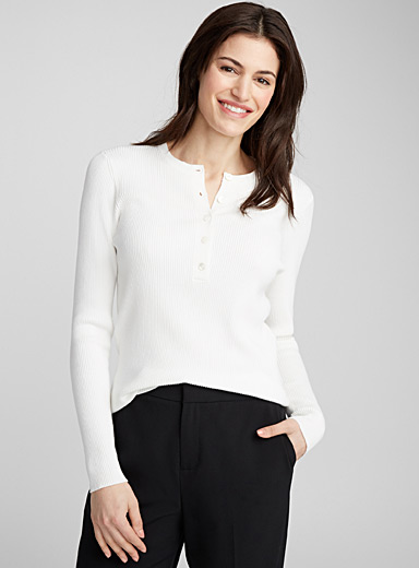 Buttoned-neck ribbed sweater
