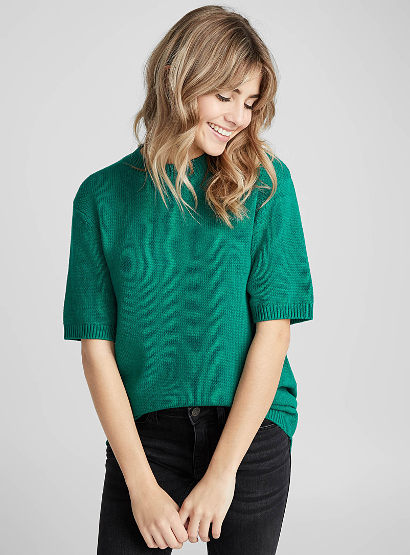 le-pull-col-rond-manches-courtes