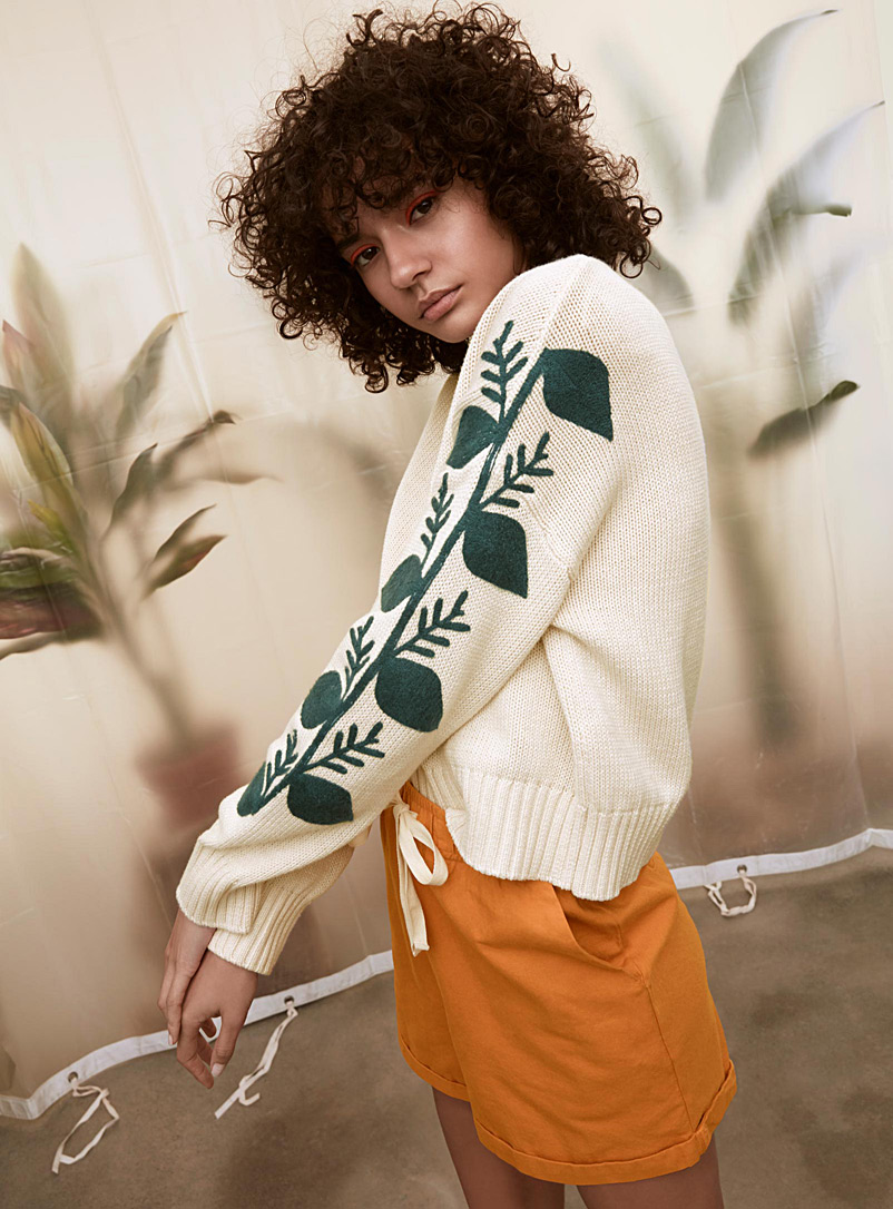 Vegetable embroidery sweater - Sweaters - Cream Beige