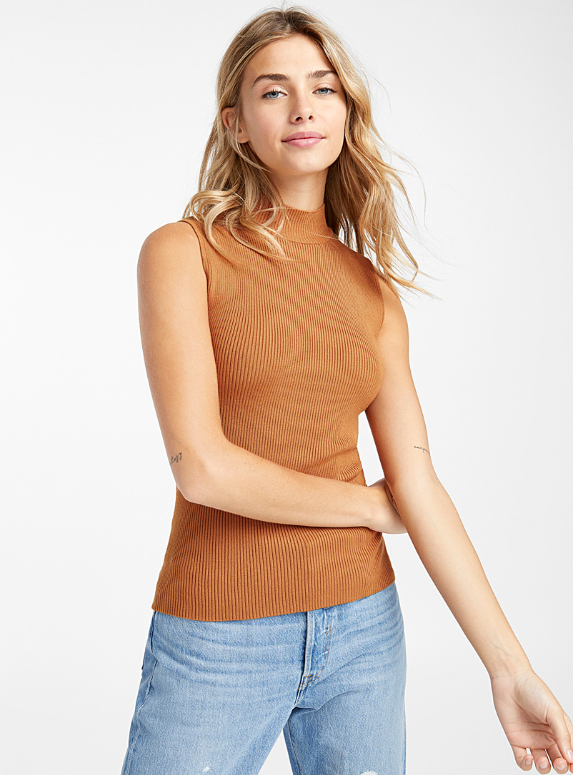 Sleeveless mock-neck sweater - Sweaters - Light Brown