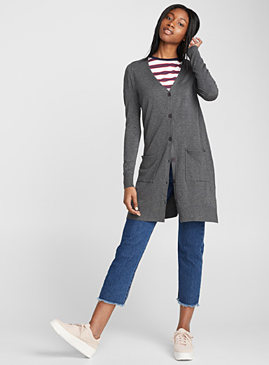 Long buttoned cardigan