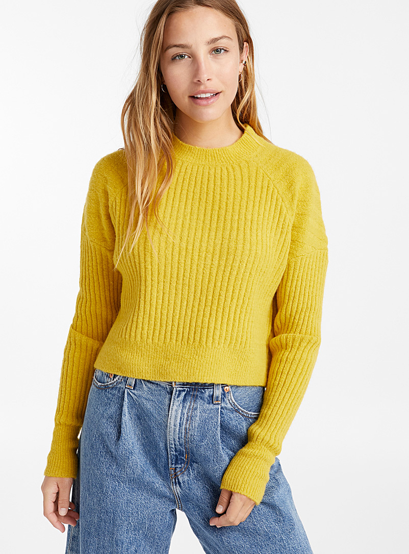 ribbed-boucle-cropped-sweater