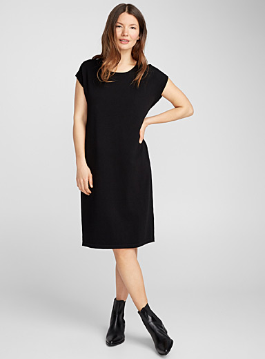 Shiny knit minimalist dress