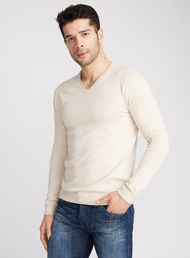 basic-v-neck-sweater