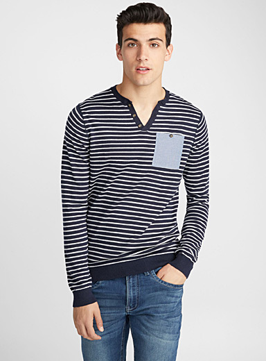 Le pull rayures nautiques