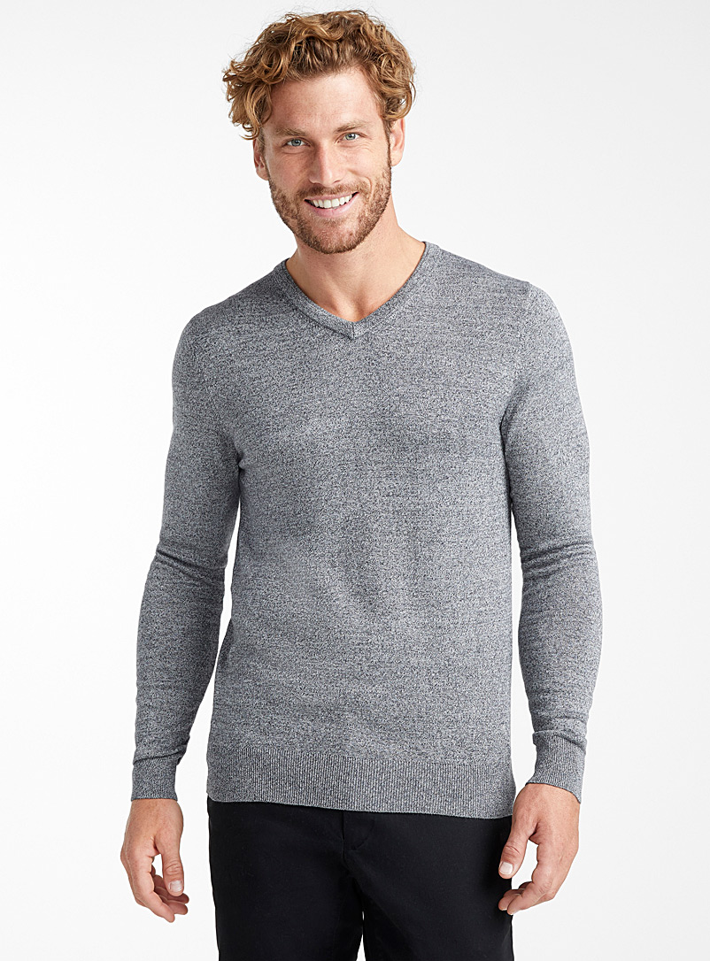 le-pull-col-v-rayonne-de-bambou