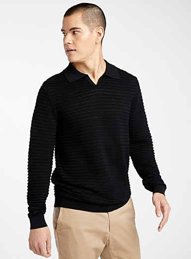 Le pull col polo texture rayée