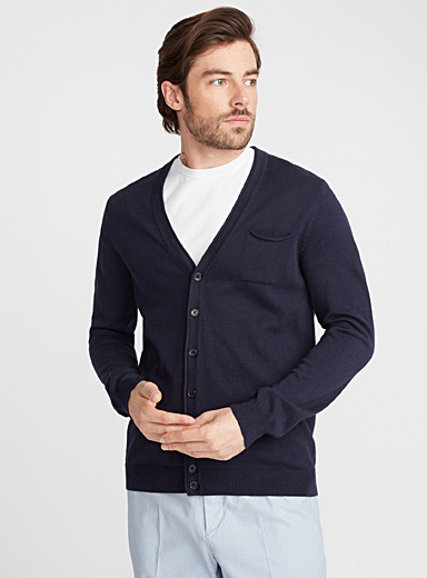 Must-have V-neck cardigan