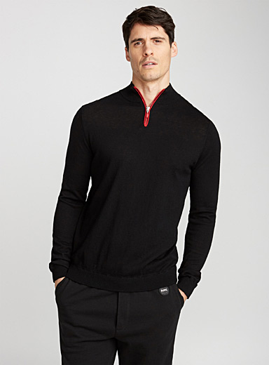 Le pull col montant zip contraste