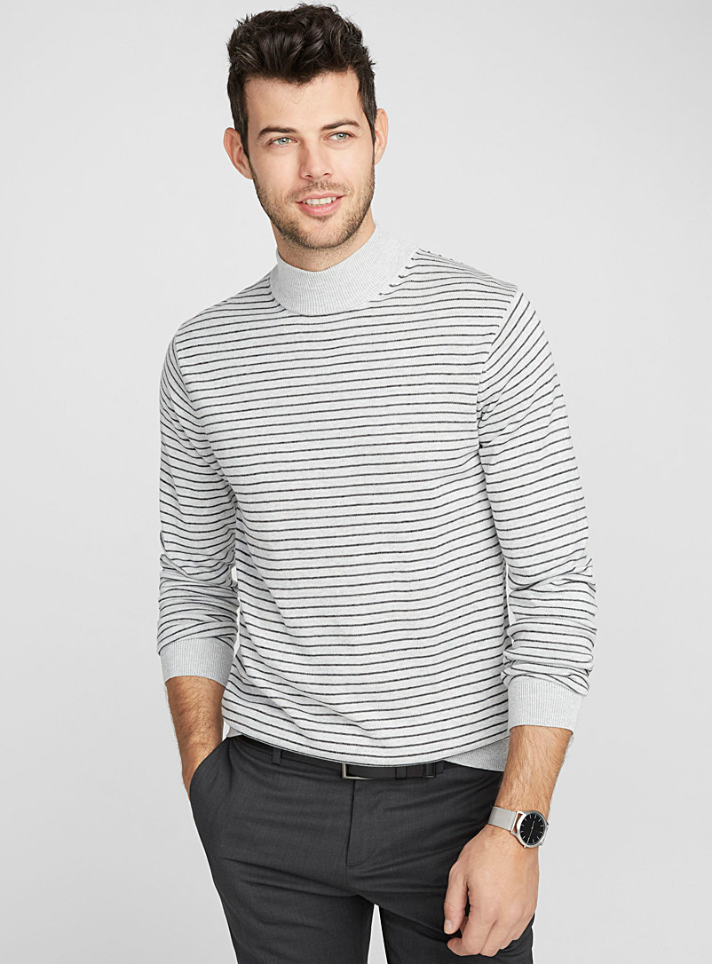 le-pull-raye-col-montant