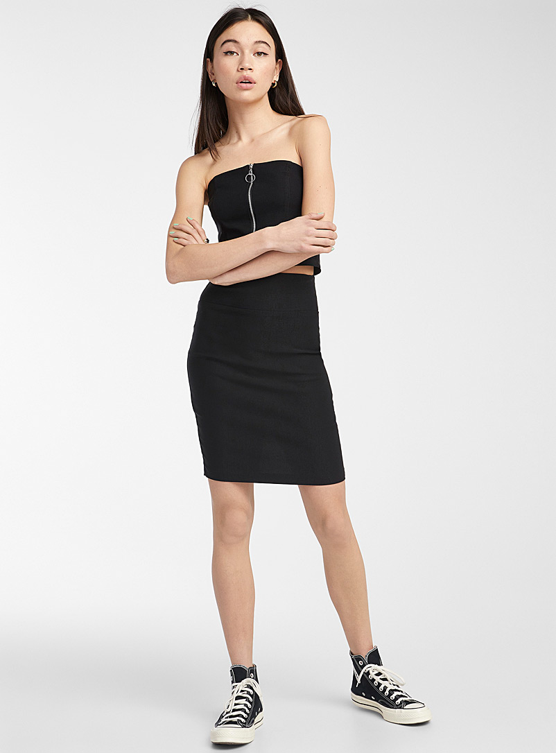Twik Black Basic fitted skirt for women