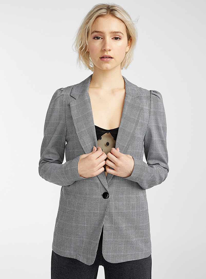 puff-shoulder-blazer