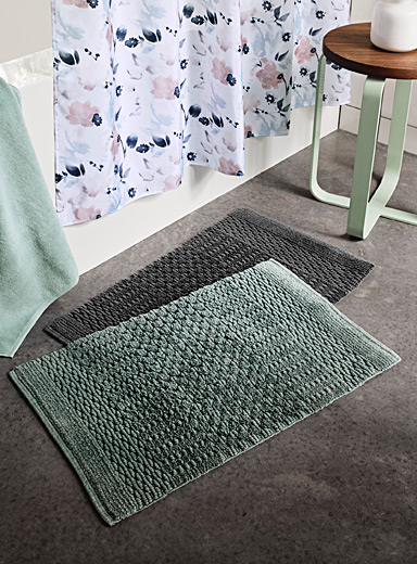 Textured stripe bath mat <br>50 x 80 cm