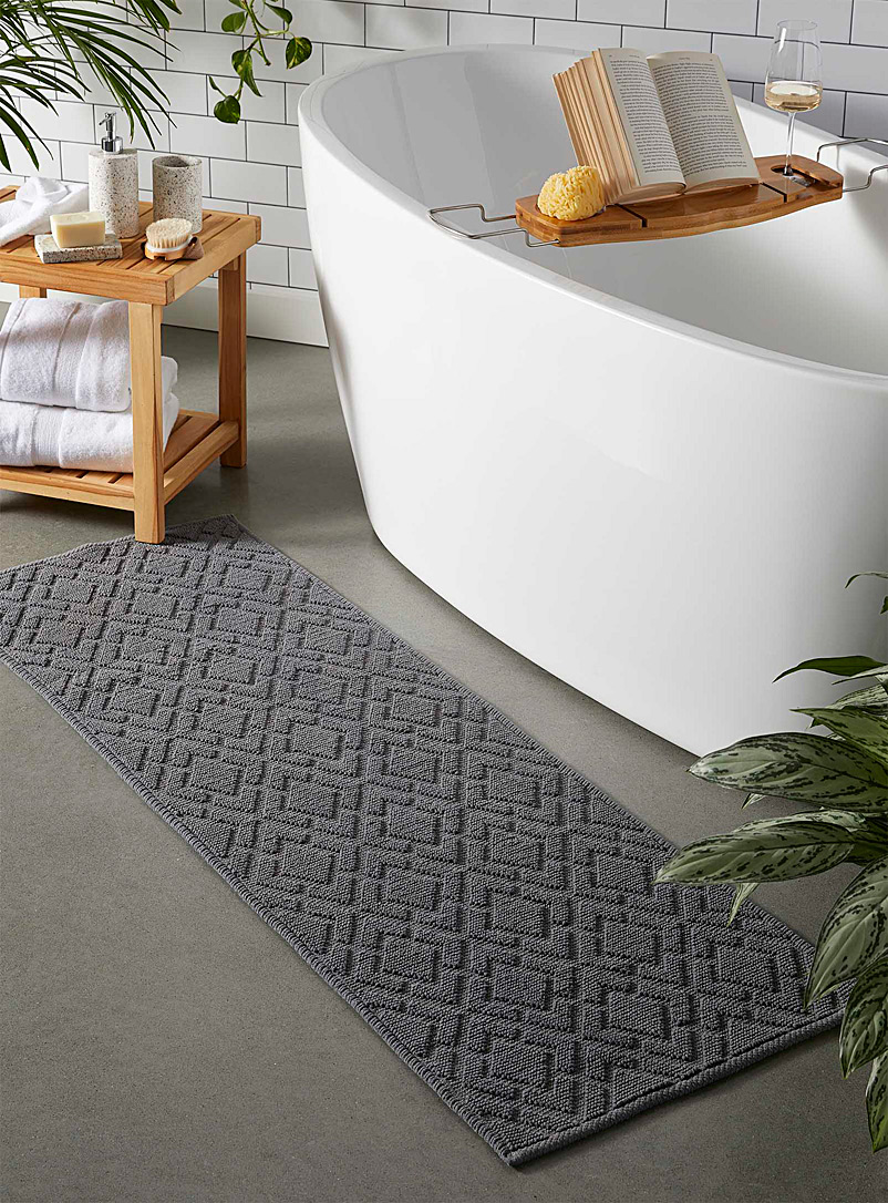 Simons Maison Grey Large embossed diamond bath mat  50 x 150 cm