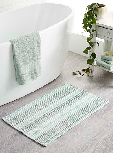 Moss-green geological stripe bath mat  50 x 80 cm