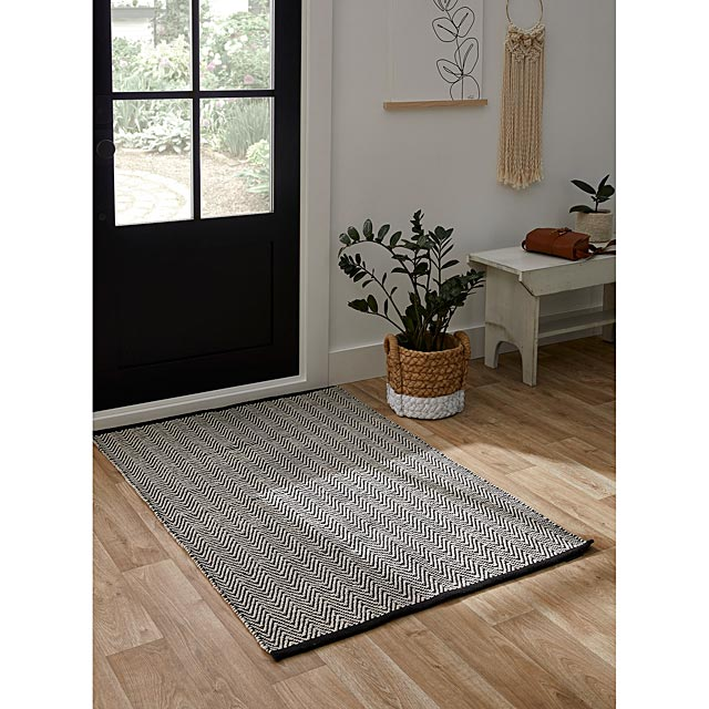 zigzag-stripes-floor-mat-90-x-130-cm