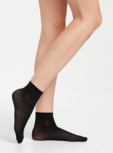 Solid and crochet ankle socks