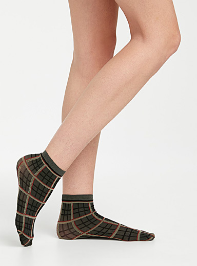 Solid and tartan ankle socks