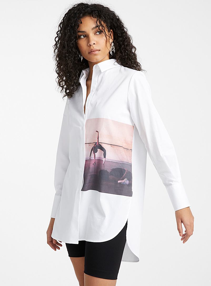Icône White Long photo print poplin shirt for women