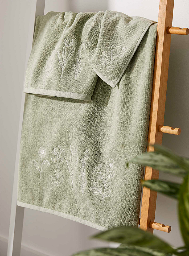 Simons Maison Lime Green Organic cotton embroidered flower towels