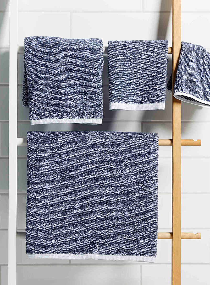 Graphic blue towels - Jacquards & Embroidery - Patterned Blue