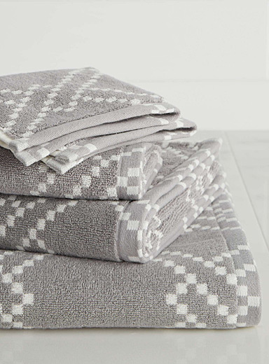 Trellis bath towels