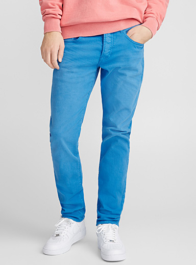 Bright blue jean <br>Slim fit