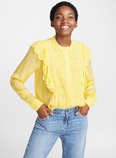 La blouse jaune broderie anglaise