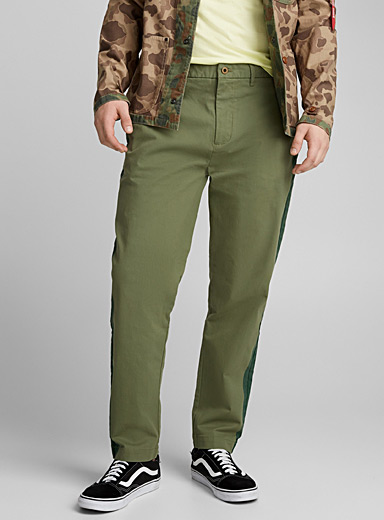 Tone-on-tone accent chinos